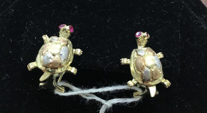 Paar van schildpad gevormd oorbellen 14 kt goud synthetische rode kleur zirconias  Twee kleine schildpadden met rode kleur zirconias.  EUR 1.00  Meer informatie