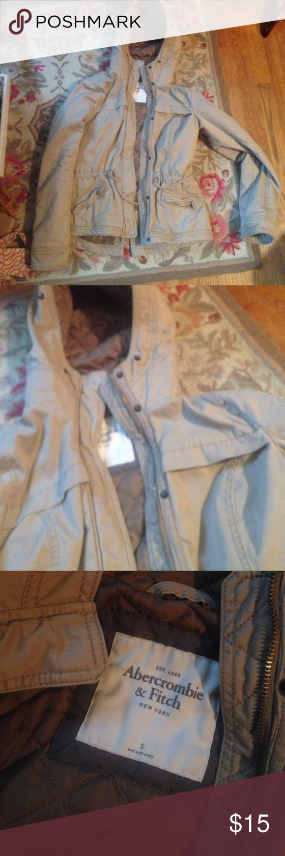 Abercrombie and fitch tan parka Like new very warm true to size Abercrombie & Fitch Jackets & Coats