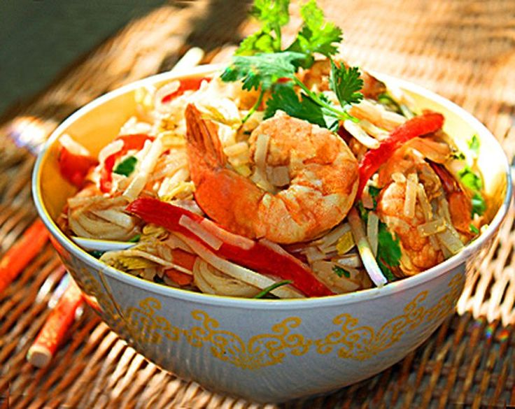 Try This Low-Carb Pad Thai Salad Recipe