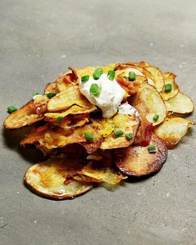 Es ist krass einfach und es sind Kartoffeln und Käse drin: Gebackene Kartoffelchip-Nachos