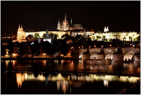 Prague Castle and Charles Bridge- I kept searching for the best pic from my collection and realized photos don't do justice to this beautiful city!