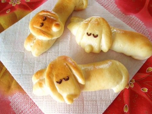 """Dog-Shaped+Bread+""""Sleeping+Dachshund+Wiener+Sausage+Bread"""""""