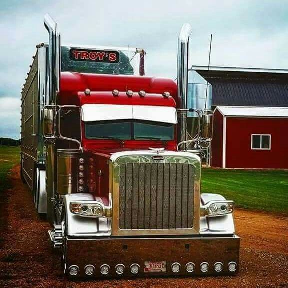 Great looking Peterbilt