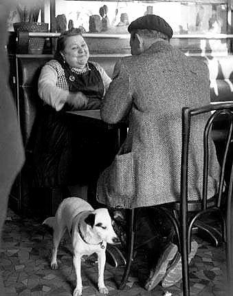 Robert Doisneau  //  Les Amoureux