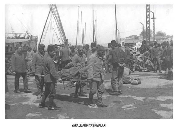 Yaralıların taşınmaları  http://kpssdelisi.com/question/18-mart-canakkale-zaferi/