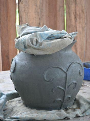 Trabajo en cerámica en crudo. ( Vaupés - Colombia)