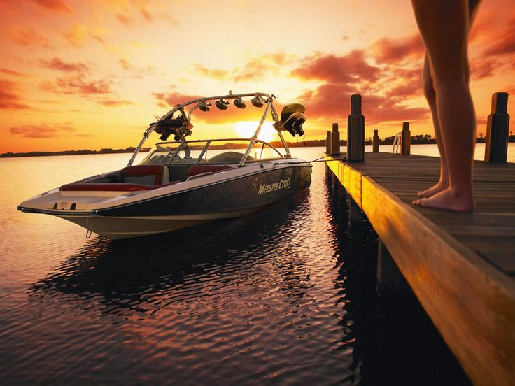 This is the ultimate wakeboarding boat. Mom, will you buy me this for by Birthday??