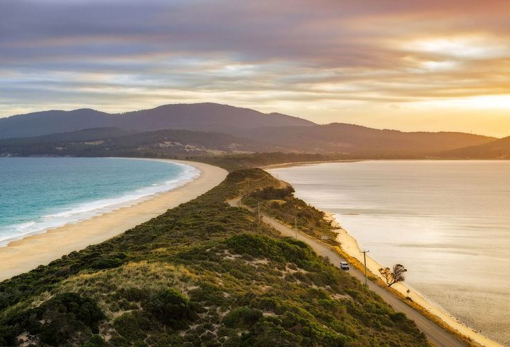 10 day Road Trip Itinerary for Tasmania.  Featuring most photogenic spots, awesome places to hike and best places to stay.