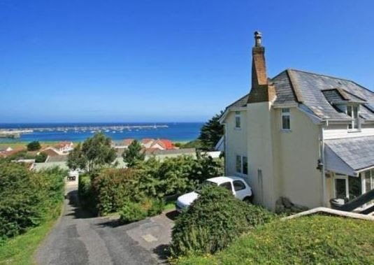 Barley Twist St Anne, Alderney, Channel Islands (Sleeps 1 - 6), UK, Channel Islands. Self Catering. Travel. Holiday Home. Holiday. Pet Friendly. Children Welcome. Wifi. Walking.