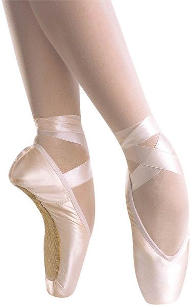 Maya Medium Shank Pointe Shoes - Grishko #pointe #pointeshoes#ballet#ballerina#