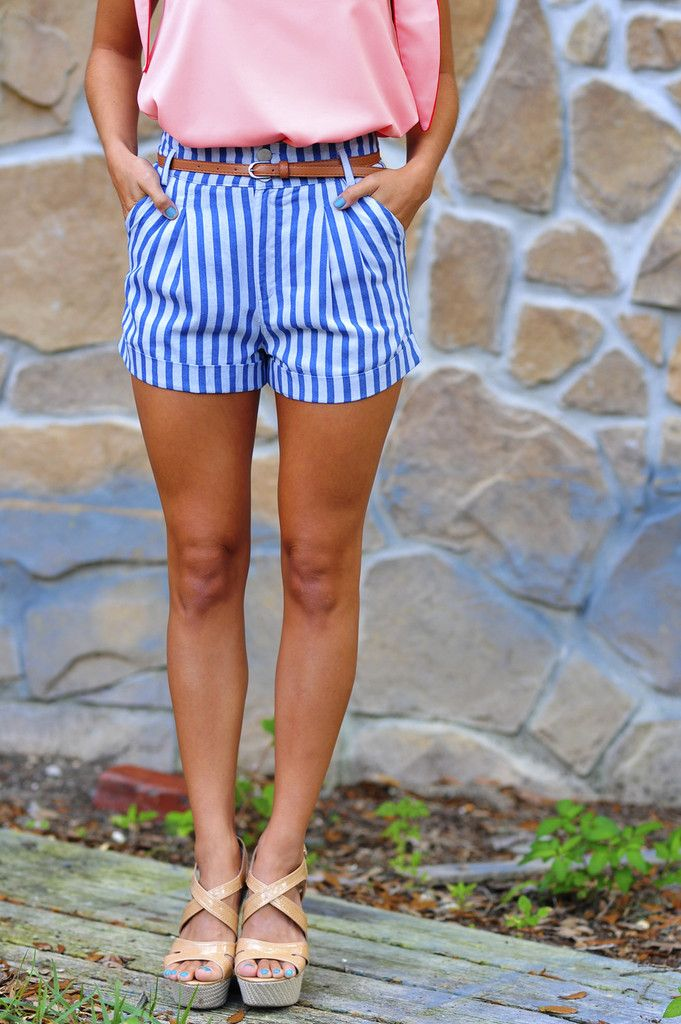striped shorts, belt & solid shirt, love these shorts!