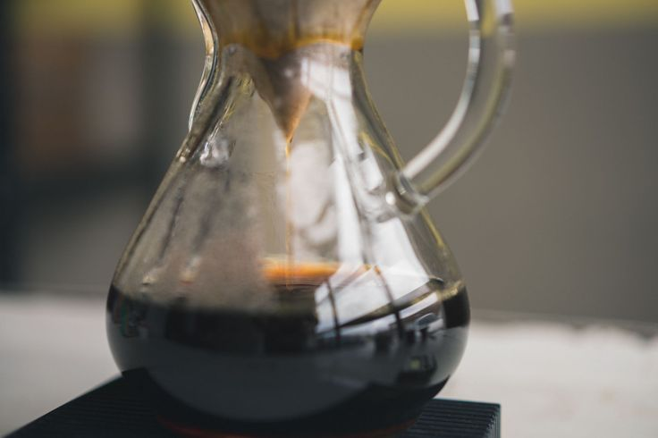 Step-by-Step Brewing of The Chemex. Skip the coffee shop and brew your own perfect coffee at home. The Chemex is a classic coffee brewer, and maybe the most beautiful!