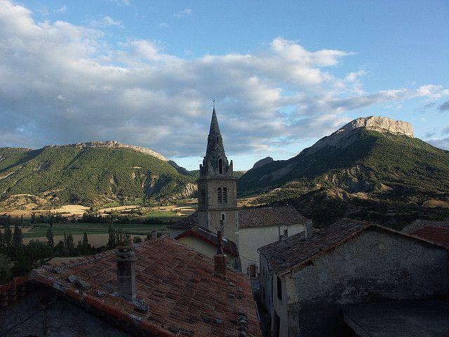 Un beau couché de soleil vu du village de Savournon, Jubéo, Provence des montagnes, Hautes-Alpes