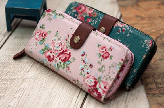 Floral women wallet clutch iphone wallet fabric por chiclovemode, $24.00