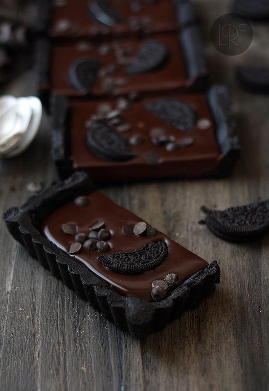 http://www.larecetadelafelicidad.com/en/2013/02/no-bake-chocolate-oreo-tart.html