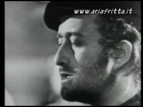 Lucio Dalla - Piazza grande - YouTube