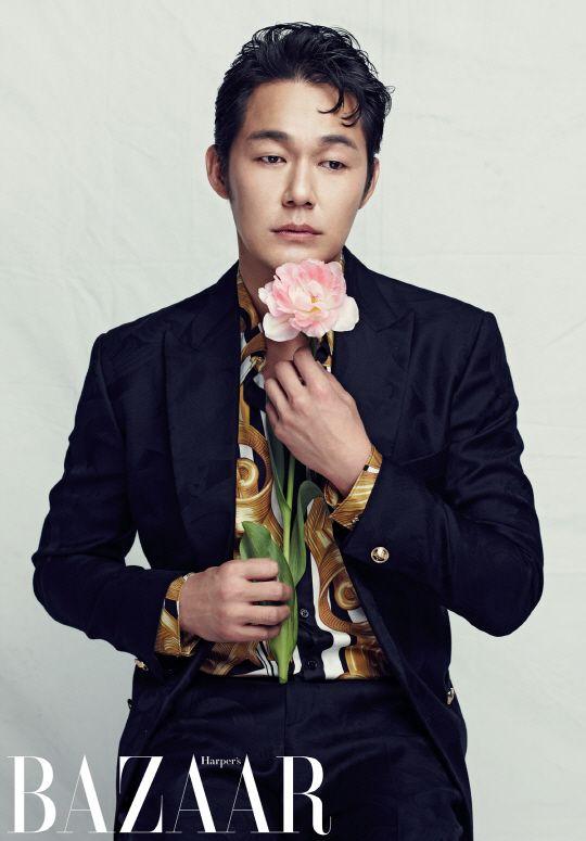 Park Sung Woong - Harper's Bazaar Magazine April Issue '14 | he looks like Joseph Gordon-Levitt a bit.