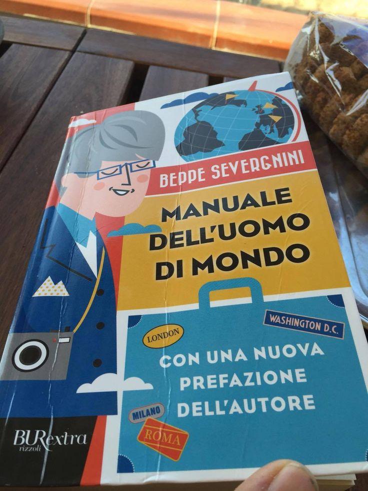 Una bella sorpresa l'incontro con l'autore del libro 'Manuale dell'uomo di mondo', il giornalista Beppe Severgnini che è stato in questi giorni ospite al ristorante I Banchi a Ragusa Ibla