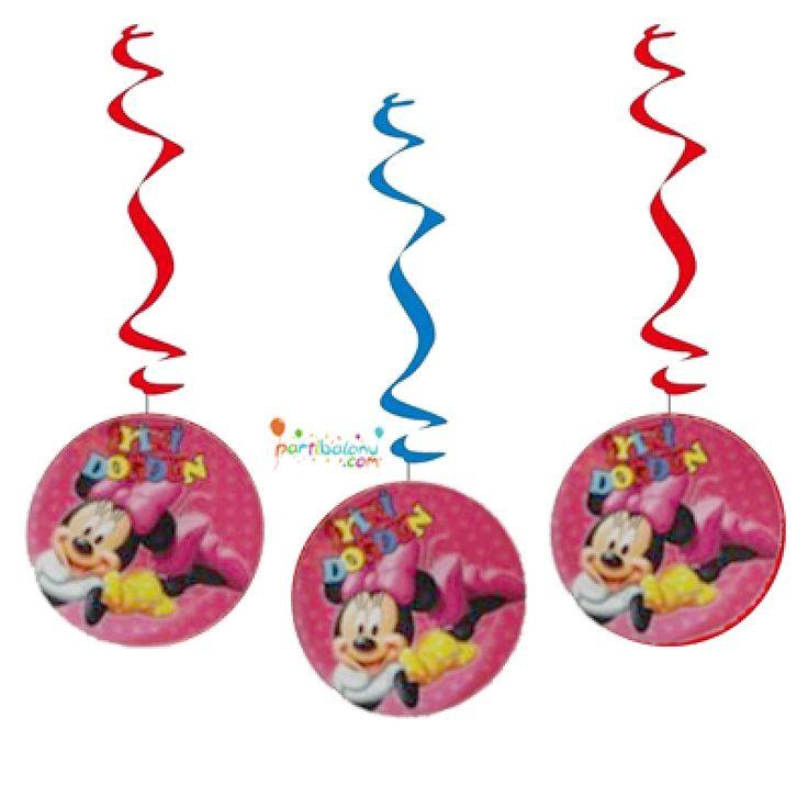 Minnie Mouse Asma Süs Mini Mouse Asma Süs Ürün Özellikleri  Paket içinde 3 Adet Minnie Mouse Asma Süs bulunur. Karton Asma Süs renkli baskı ve kalitelidir. Minnie Mouse temalı asma süslerin boyutu 80 cm'dir. Tavana asarak kullanabileceğiniz bu ürün asma süsler arasından en çok tercih edilen üründür.