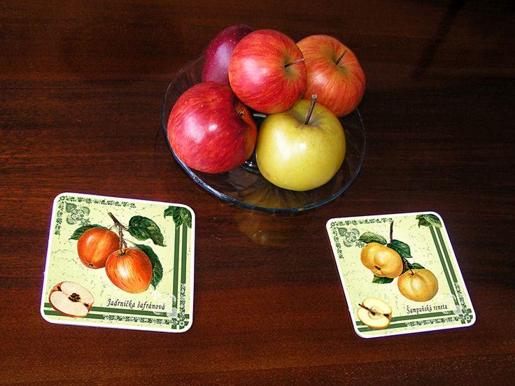 Podtácky z 6 ks sady v interiéru, podtácky s motivy ovoce