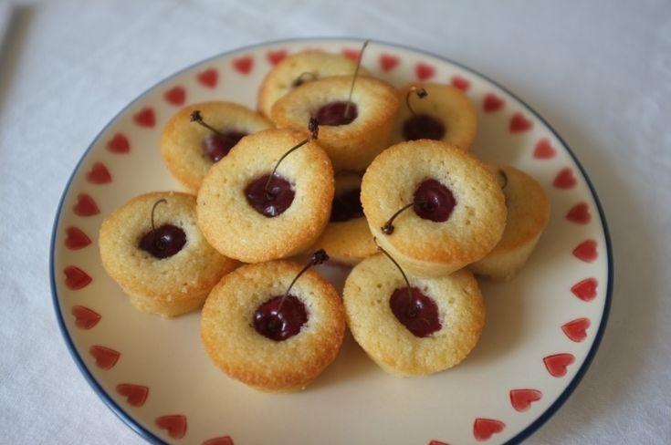 recette sans gluten de mini financier à la cerise - gluten free cherry mini financier