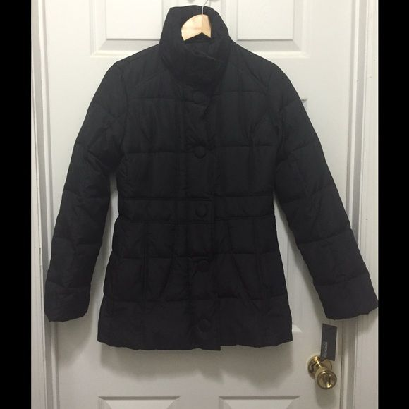 NWT Kenneth Cole Reaction Down & Feather Coat Kenneth Cole Reaction down and feather filled coat. A puffer coat without so much puff! Comes in at waist. Pocket on the inside of coat and 2 on the outside. Zipper and snaps. Shell and lining polyester. Filler 60% Duckdown/40% Waterfowl Feathers. Perfect condition. New with tags. Size Small. Kenneth Cole Reaction Jackets & Coats Puffers
