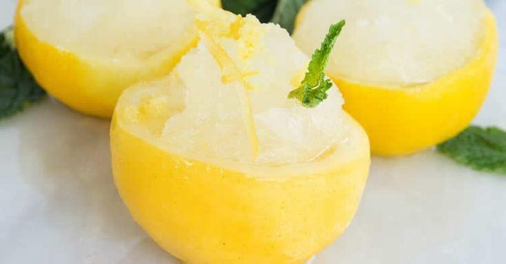 Sorbet citron au thermomix Faites ce délicieux dessert glace au citron au thermomix en quelques minutes avec le TM5, vous y trouvez ici la recette la plus facile pour le préparer chez vous avec votre thermomix. une recette facile et pour toute la famille, testez-la.