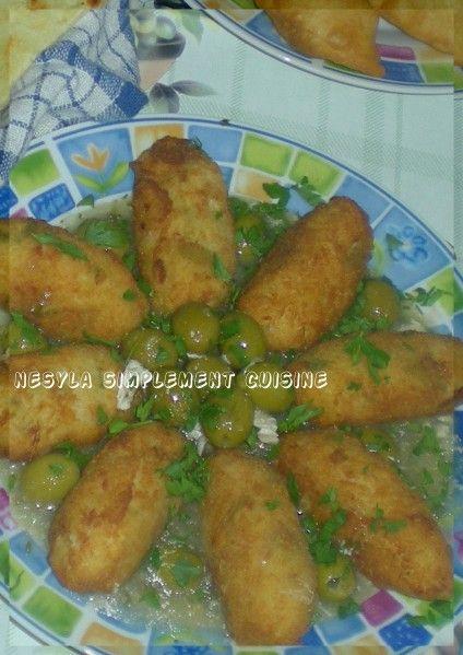 Salam alikoum/ Bonjour, Voici les croquettes de riz au poulet en sauce blanche que je vous présentais hier. Ces croquettes vous pouvez les préparer comme sur la recette avec une sauce et vous aurez un excellent plat de résistance bien léger en ce mois...