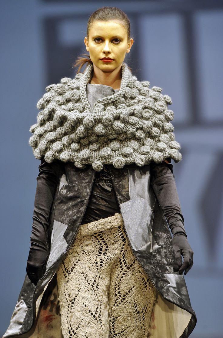 le petit pantalon de laine fine...