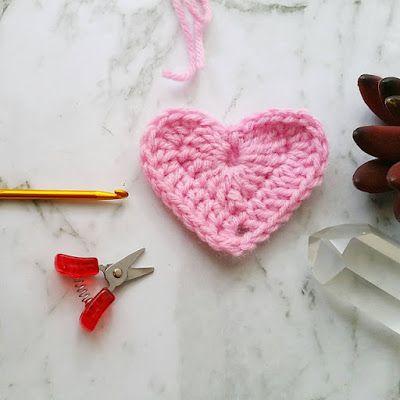 Emma Wilkinson Designs: How to Crochet a Heart