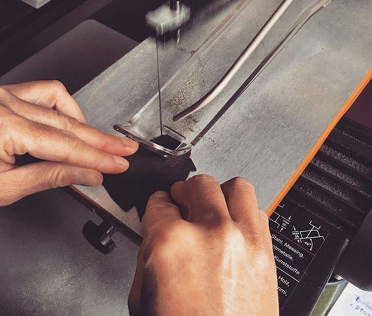 Abbiamo scoperto per caso le fantastiche creazioni in legno e Made in Italy di Lieve 😍  Clicca e scopri di più su questi fantastici gioielli 👇🏼  #splitmind #sonolieve #lieve #gioielli #jewels #wood #creation #fashion #design