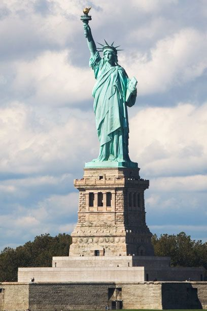 78+ ideas about Freiheitsstatue auf Pinterest  New york city, USA und New-York-Reisen