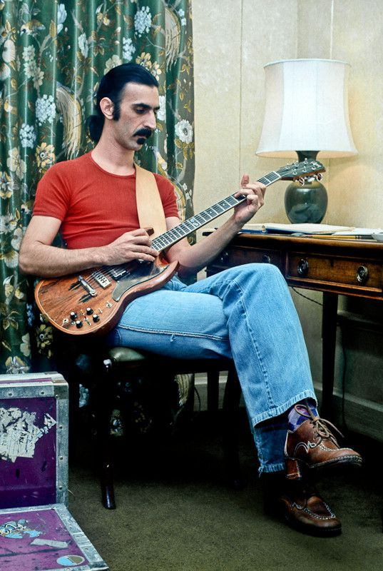 Frank Zappa with his modified Gibson SG
