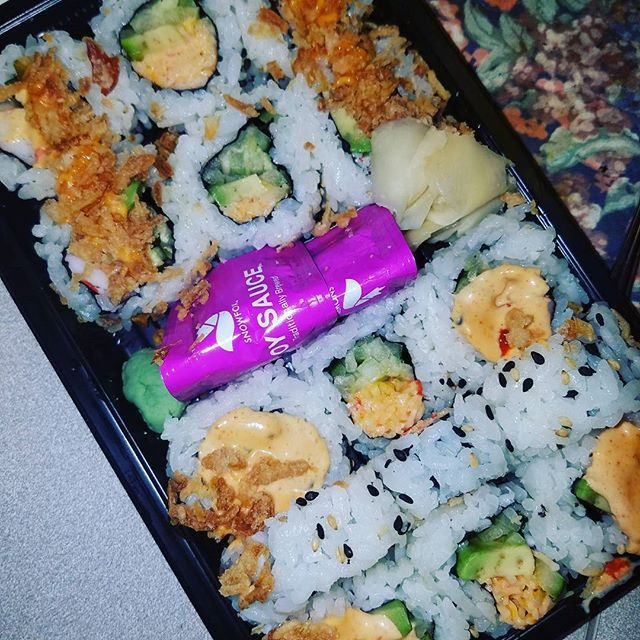 Decided to have some fresh sushi from Kroger today. Combo #CaliforniaRoll to be exact. And it's only 10 #WeightWatchers #SmartPoints and you get about 12 pieces (California Salad California Spicy California Regular). Yaaasss! #KrogerSushi #KrogerSushiBar #HealthyEating #LunchBreak #cookingandeating #blogger #flickrfoodie #foodphotos