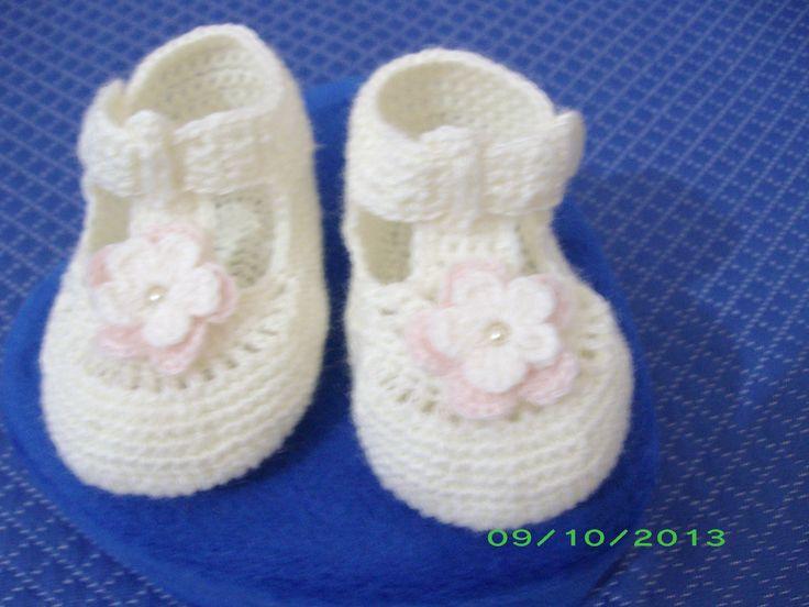 scarpine floreale bianchi e rosa in lana all'uncinetto euro 15.00