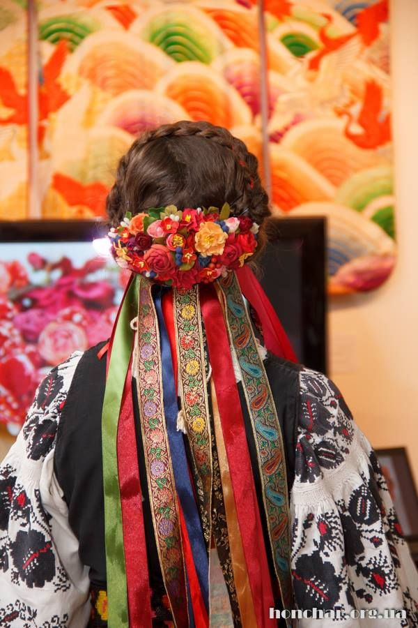 Ukrainian traditional hairdress with floral wreath 445
