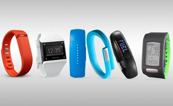Health trackers do the job of recording how much progress you have done with your regime and helps you manage properly. However, when you have the least knowledge of the health trackers, it can be mind-boggling to buy the perfect one from the huge number of options.
