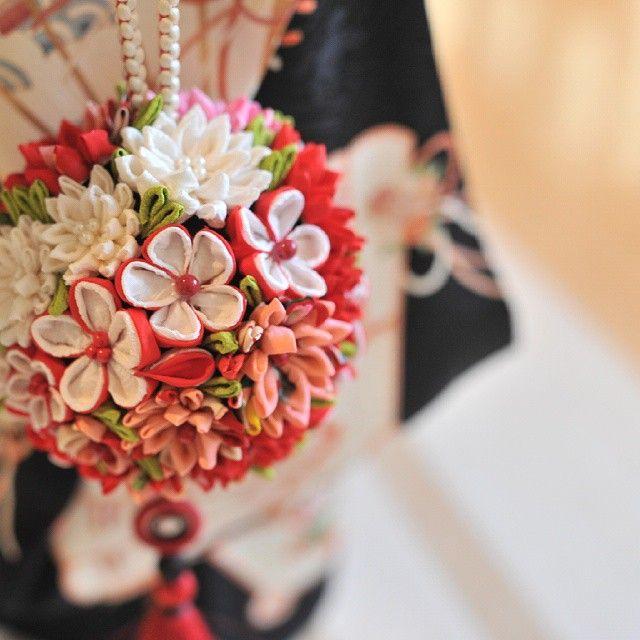 いいね!52件、コメント5件 ― satomiさん(@sasasato0325)のInstagramアカウント: 「母の手作り  #つまみ細工 #ボールブーケ #和装 #wedding」