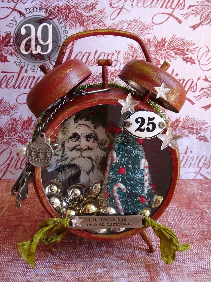 Compendium of Curiosities Challenge #10 - Christmas-themed Assemblage Clock.