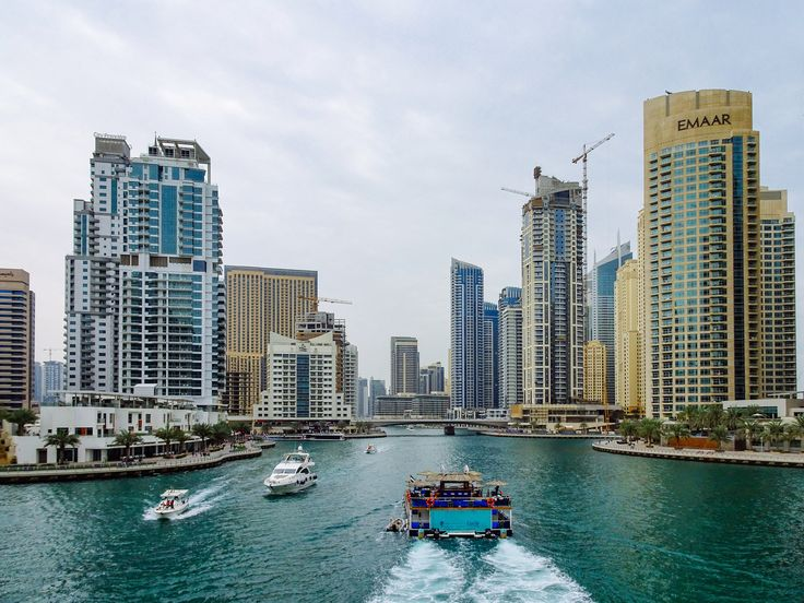 #SmartCity and #SmartTourism: A Case of #Dubai #DataMining