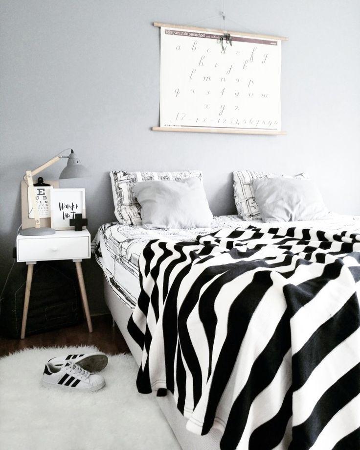 Een tijdje geleden botste ik op de feed van 'Huisje van Mariel' op Instagram. Ze omschrijft haar stijl zelf als stoer en Scandinavisch. De kleuren zwart en wit sieren momenteel haar interieur, maar zoals ze zelf zegt het heeft al...
