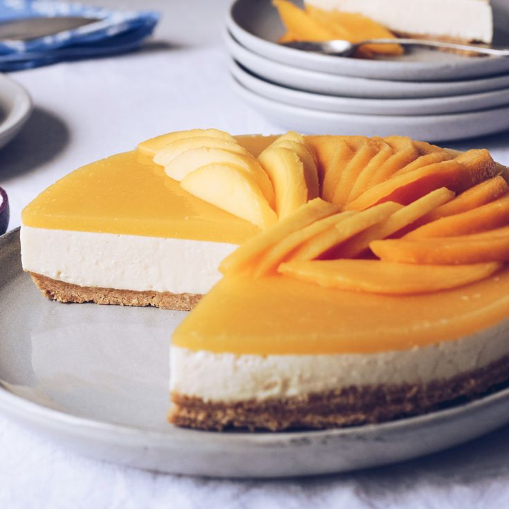 #RecipeoftheDay: We can't stop drooling over this amazing White Chocolate and Mango Cheesecake by The Cake Tin.