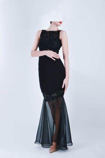 Cand simti ca vrei... sa fii imbratisata de senzualitate #tenuedesaf #dress #eveningdress