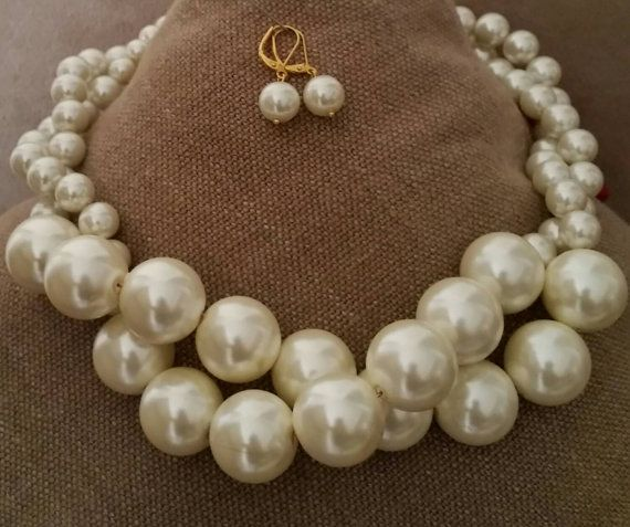 Check out this item in my Etsy shop https://www.etsy.com/ca/listing/258716758/two-strand-extra-large-pearl-choker