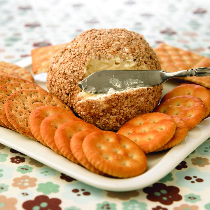 Botana de queso manchego, parmesano, queso crema y queso tipo azul... ¡Para chuparse los dedos!