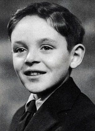 Before he was scaring the crap out of us as Hannibal Lecter, he was just a cute little boy.  Meet Sir Anthony Hopkins