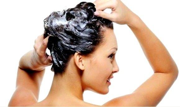 ЧУДЕСНАЯ МАСКА ДЛЯ ВОЛОС ОТ ОБЛЫСЕНИЯ. Страшно когда начинают выпадать волосы и не просто выпадать, а сыпаться пучками и начинают образовываться пролысины. Есть очень эффективный рецепт, после применения которого на месте лысин появляются здоровые волосы. В маску входит всего три ингредиента, но результат потрясающий — заращиваются лысины, волосы становятся гуще и здоровее.