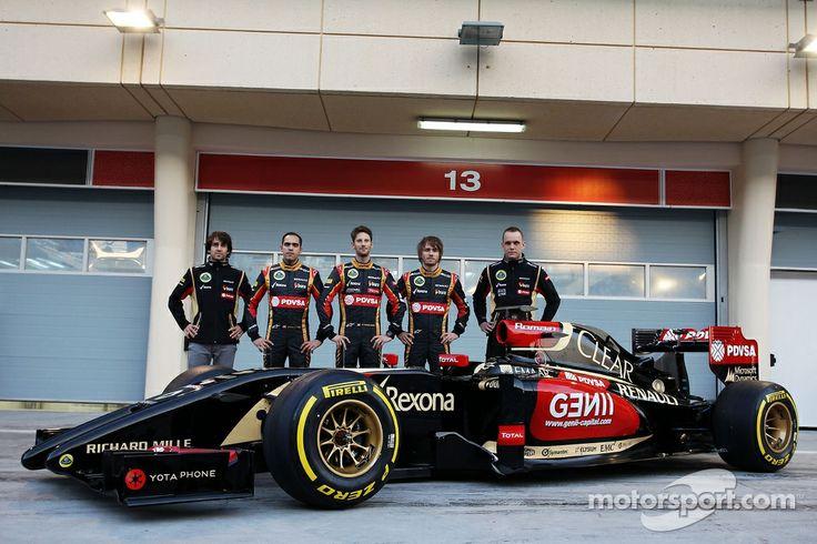 Nicolas Prost, Charles Pic, with Romain Grosjean, Lotus F1 Team and team mate Pastor Maldonado, Lotus F1 Team Lotus as the F1 E22 is officially unveiled