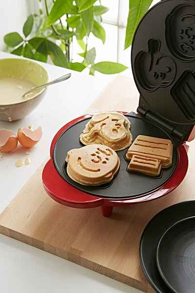 Snoopy Waffle Maker - Urban Outfitters