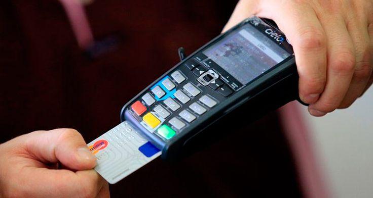 Taxa de juros do cartão de crédito é a maior desde 1995, diz Anefac